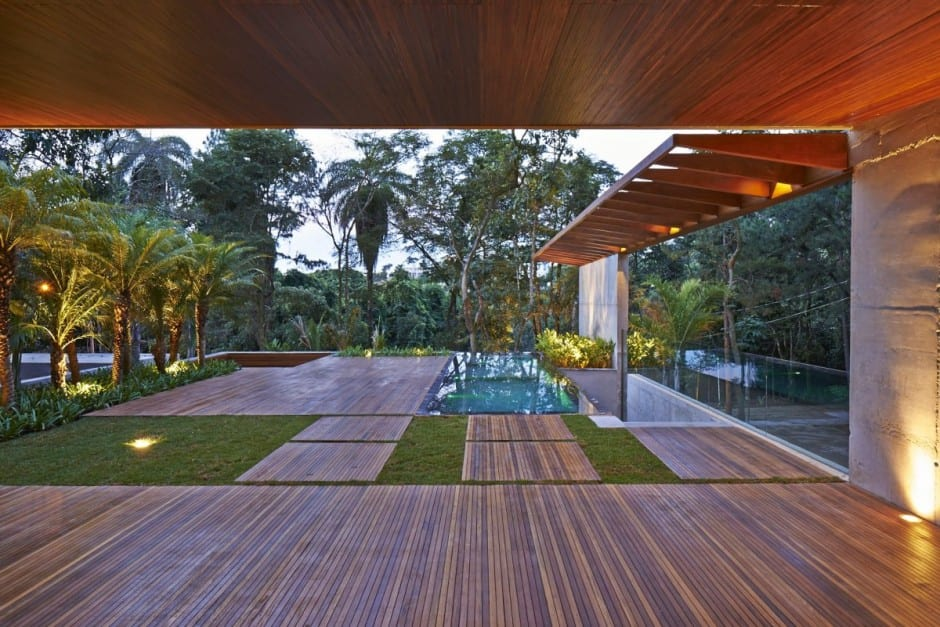 outdoor landscaping sound and audio